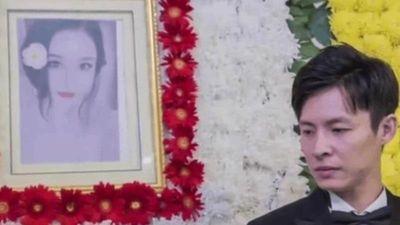 Chú rể tổ chức lễ cưới với cô dâu qua đời vì ung thư