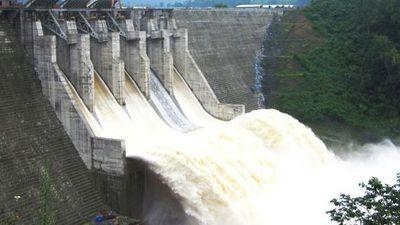 Thủy điện Đak Mi 4 xả lũ về sông Thu Bồn và Vu Gia