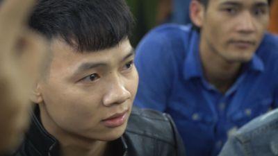 Cảnh sát dẫn giải Khá 'Bảnh' đến tòa