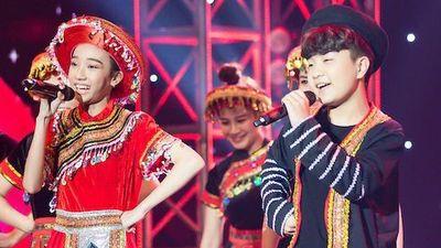 Cậu bé lai Hàn Quốc khoe giọng với 'Để Mị nói cho mà nghe'