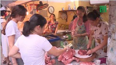 Người tiêu dùng hoảng hốt khi giá thịt lợn lên 150.000 đồng/kg