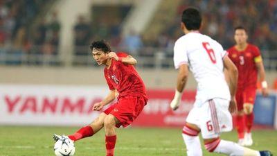 Tuấn Anh chơi bóng như siêu nhân, Việt Nam hạ đẹp UAE