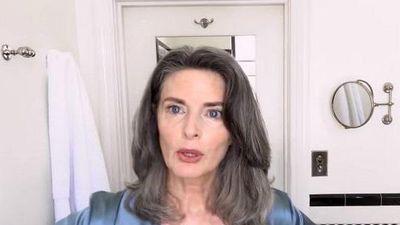 Siêu mẫu Mỹ tiết lộ bí quyết làm đẹp bất chấp tuổi 61
