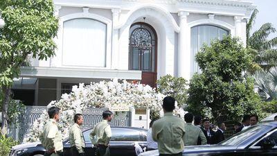 Bảo Thy về biệt thự của chồng sau lễ cưới ở nhà thờ