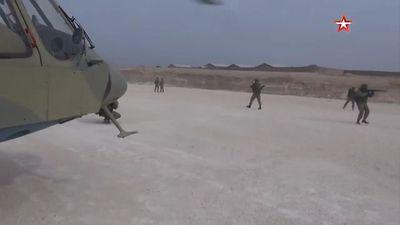 Trực thăng Nga đổ bộ và phong tỏa căn cứ không quân Mỹ bỏ lại ở Syria
