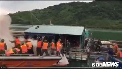 Clip: Hiện trường dân ném bom xăng vào đoàn cưỡng chế khiến nhiều người bị thương ở Quảng Ninh