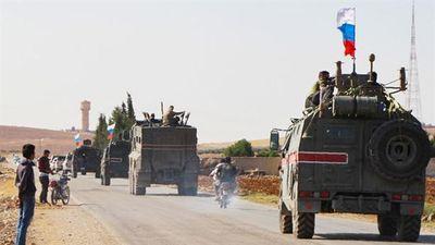Người Kurd dâng thị trấn chiến lược cho Nga
