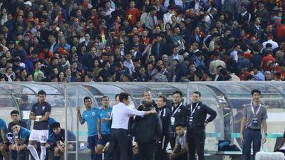 HLV Park Hang Seo lời qua tiếng lại với trợ lý tuyển Thái