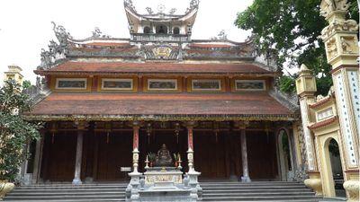 Thăm quan ngôi chùa cổ kính làng chài Võng Thị