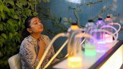 Quán bar Ấn Độ bán không khí