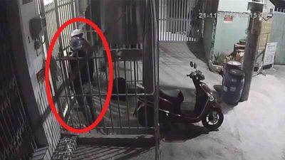 Trộm đột nhập lấy ba xe máy ở Thủ Đức