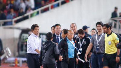 Nể đồng nghiệp Nishino, HLV Park Hang Seo bỏ qua cho HLV thủ môn Thái Lan