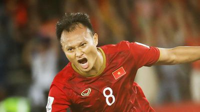 Cựu HLV Thái Lan: 'U22 Việt Nam vào bán kết nhờ cầu thủ quá tuổi'