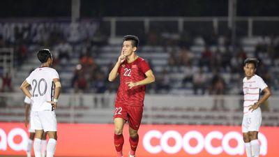 U22 Việt Nam vào chung kết, bố Tiến Linh nhảy múa vui mừng