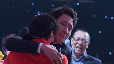 MC Lại Văn Sâm bật khóc trước khả năng thần bí của thí sinh