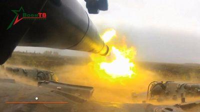 Video siêu tăng T-72B 'tả xung hữu đột' tiêu diệt mục tiêu