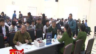 Công an quận Hoàng Mai cấp căn cước công dân cho cựu chiến binh