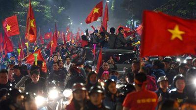 Báo lớn nước Mỹ: Bóng đá đang khiến người Việt Nam trở nên hạnh phúc