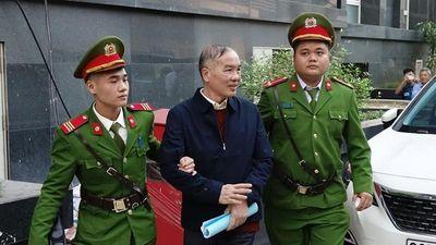 Xét xử AVG: Cựu chủ tịch MobiFone Lê Nam Trà khai nhận 2 triệu USD từ hai thùng carton