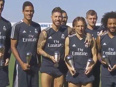 Real Madrid chắc chắn là câu lạc bộ sở hữu nhiều cầu thủ được xướng tên nhất trong lễ trao giải The Best (giải thưởng dành cho các cầu thủ xuất sắc nhất trong năm do FIFA trao tặng), vào rạng sáng ngày 25.9 tại London. Ngay sau khi lễ trao giải kết thúc, các cầu thủ này đã nhanh chóng trở lại đại bản doanh của Real để tập luyện, và tất nhiên, họ không quên ''trình làng'' những giải thưởng của mình ngay trong buổi tập.