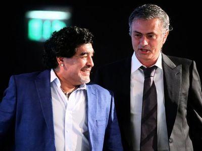 Trả lời phỏng vấn độc quyền với Marca, Diego Maradona nhận xét về Mourinho, Pep Guardiola, Lionel Messi, Cristiano Ronaldo và cả Santiago Solari - tân HLV trưởng Real Madrid.