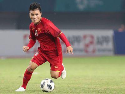 Quang Hải và Công Phượng nằm trong top những cầu thủ gây ấn tượng mạnh nhất lượt đấu đầu tiên vòng bảng AFF Cup 2018.