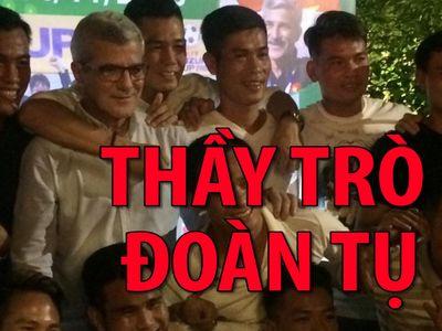 Tối ngày 14.11, sau khi có trận giao hữu với đội Phóng viên thể thao TP.HCM, các cựu tuyển thủ Việt Nam vô địch AFF Cup 2008 đã có dịp hội ngộ với vị HLV Henrique Calisto, vị HLV tận tụy đã đưa Việt Nam lần đầu tiên lên đỉnh Đông Nam Á.