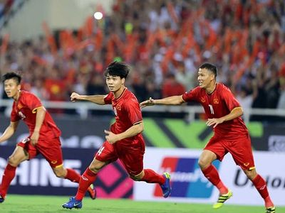 Lối chơi hợp lý, tận dụng tối đa sai lầm của Malaysia, đội tuyển Việt Nam đánh bại đối thủ khó chịu nhất bảng đấu với một tỉ số không thể đẹp hơn.