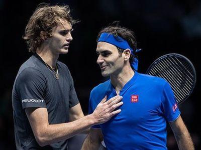 Bán kết ATP Finals 2018, cuộc chạm trán giữa kinh nghiệm của Roger Federer và sức trẻ của Alexander Zverev đã diễn ra vô cùng hấp dẫn.
