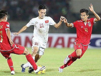 Mặc dù sở hữu thời lượng kiểm soát bóng vượt trội đội chủ nhà Myanmar trong 90 phút thi đấu và tạo ra vô số cơ hội, nhưng các cầu thủ của chúng ta vẫn không gặp may mắn. Tình huống duy nhất bóng tìm đến mảnh lưới củ TM Zin Hatet là pha sút bồi của Văn Toàn, sau pha sút xa cực mạnh ngoài vọng cấm của Quang Hải ở phút 77. Đáng tiếc, trọng tài biên cho rằng tiền đạo thay người của tuyển Việt Nam đã ở tư thế việt vị và không công nhận bàn thắng. Hòa không đều, Việt Nam đã bỏ lỡ cơ hội giành chiếc vé sớm vào bán kết.