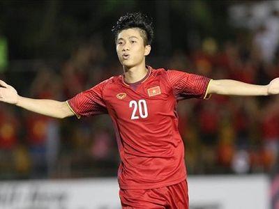 Trong tất cả các trận đấu của đội tuyển Việt Nam tại AFF Cup 2018, Phan Văn Đức đều thi đấu rất nổi bật. Anh không chỉ biết ghi bàn mà còn kiến tạo cho các đồng đội trong những trận đấu quan trọng.