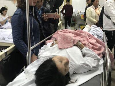 Nữ giáo viên lặng người nhìn chân bị cán nát trong vụ xe Lexus gây tai nạn liên hoàn