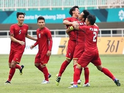 Đội tuyển Việt Nam đã tụt xuống vị trí thứ 4 trên bảng xếp hạng đội thứ 3 có thành tích tốt nhất. Cơ hội đi tiếp của chúng ta đang rất mong manh, phụ thuộc vào kết quả của trận Lebanon - CHDCND Triều Tiên vào 23h đêm nay.