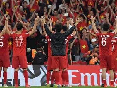 Kênh thể thao uy tín FoxSports đã đưa ra những điểm số của mình đối với các cầu thủ Việt Nam trong trận thắng 2-0 trước Yemen ở trận cuối vòng bảng Asian Cup 2019. Rất bất ngờ với cái tên được chọn ở vị trí cao nhất.