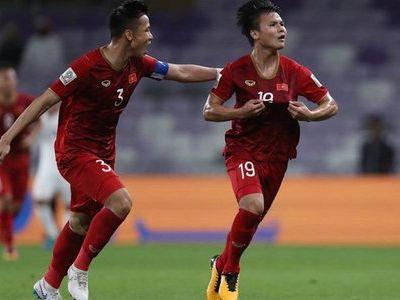 Hôm qua, ĐT Trung Quốc đã thất bại 0-2 trước đối thủ Hàn Quốc trong lượt trận cuối Asian Cup. Trong khi đó ĐT Việt Nam lại có chiến thắng trước Yemen nên CĐV Trung Quốc ra sức chê bai đội nhà.