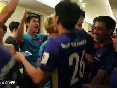 Với kịch bản hấp dẫn đến phút cuối cùng, đội tuyển Việt Nam đã giành tấm vé vào vòng 1/8 Asian Cup 2019 khi là một trong 4 đội xếp thứ 3 có thành tích tốt nhất vòng bảng.