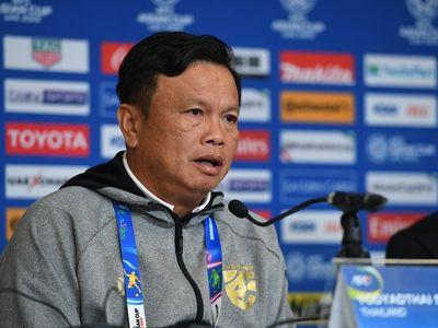 Sirisak Yodyathai, HLV tạm quyền của đội tuyển Thái Lan tiết lộ rằng ông đã nghiên cứu kỹ về lối chơi của các cầu thủ Trung Quốc, sẵn sàng đoạt vé vào vòng tứ kết Asian Cup.