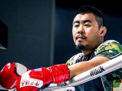 Từ Hiểu Đông, người từng gây sóng gió năm 2018 khi đánh bại võ sư nhiều môn phái, nay đã tái xuất với lời hứa phát triển bộ môn MMA ở Trung Quốc và vạch trần những cao thủ giả dối.