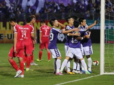 Bị dẫn trước 2 bàn ở hiệp 1 nhưng 45 phút sau, Quang Hải và đồng đội có đến 5 bàn thắng