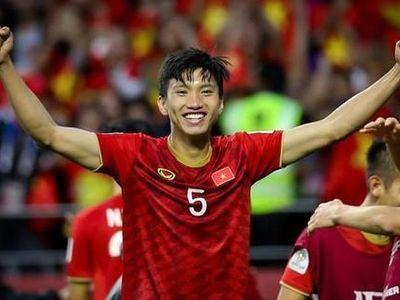 Kết quả không tốt của đối thủ đứng trên giúp đội tuyển Việt Nam tiếp tục thăng tiến trên bảng xếp hạng FIFA, bỏ xa kình địch Thái Lan vừa thua ngược Malaysia.