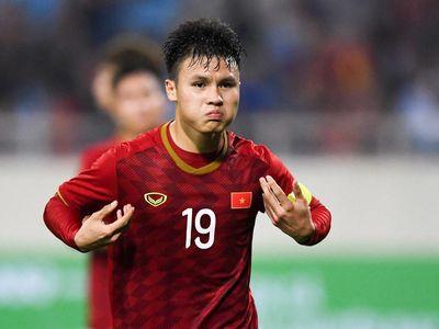 FOX Sports Asia bầu chọn Nguyễn Quang Hải là cầu thủ xuất sắc nhất bóng đá Việt Nam trong năm 2019.