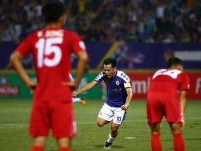 Văn Quyết đang đứng trước cơ hội rất lớn để lần đầu tiên trong sự nghiệp đoạt danh hiệu Quả bóng vàng Việt Nam 2019.