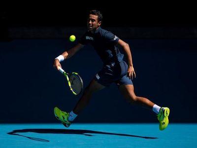 Rafael Nadal có sự khởi đầu thuận lợi tại Australian Open khi giành chiến thắng dễ dàng trước đối thủ vô danh người Bolivia Hugo Dellien để tiến bước vào vòng 2.