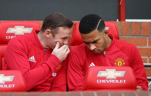 Fan MU giục Mourinho mua Depay, Liverpool chiêu dụ Pulisic