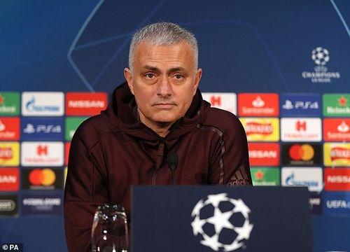 Mourinho: Nếu cầu thủ cảm thấy áp lực, hãy ở nhà xem TV