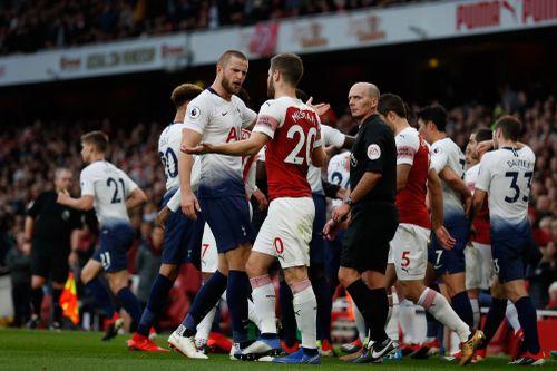 CĐV Tottenham bị bắt vì ném vỏ chuối sỉ nhục tiền đạo Arsenal