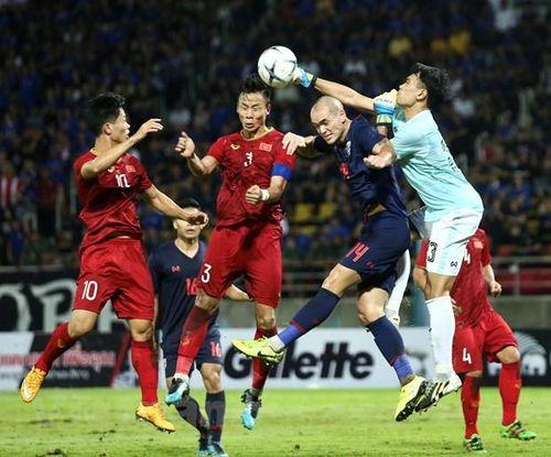 HLV Park đáp trả cực gắt vụ HLV Thái Lan nói Việt Nam đá xấu