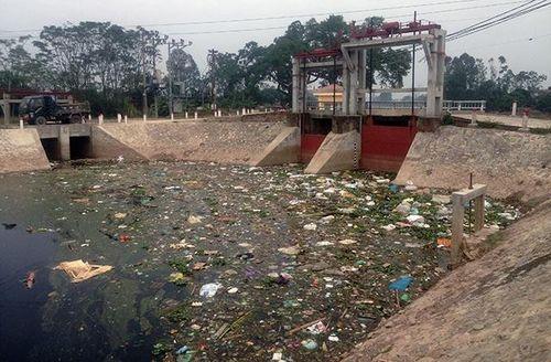 Báo động tình trạng ô nhiễm môi trường sông Bắc Hưng Hải