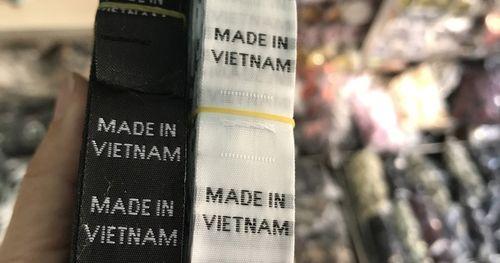 Nhãn mác 'made in Vietnam' chỉ 80 đồng/cái