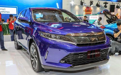 SUV 5 chỗ Toyota Harrier 2018 giá từ 56.000 USD ở Malaysia
